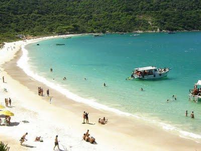 Sensacional Praia do Forno, em Arraial do Cabo, RJ. Fonte: SEMCIÊNCIA.