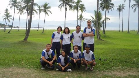 Alunos e professores vencedores do concurso no primeiro dia do treinamento pré-antártico na Marambaia.